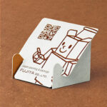 紙製スマホスタンド、組み立てかんたんタイプ